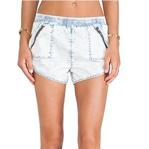 Lovers + Friends Jalin Short in Mateo size 26